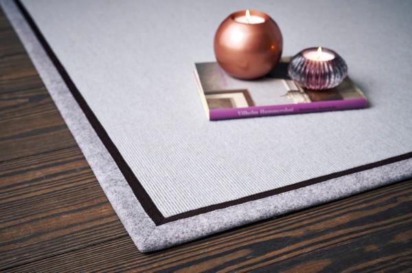 Tretford Teppiche mit zweifarbiger Bordüre aus Filz 2 Meter Breit