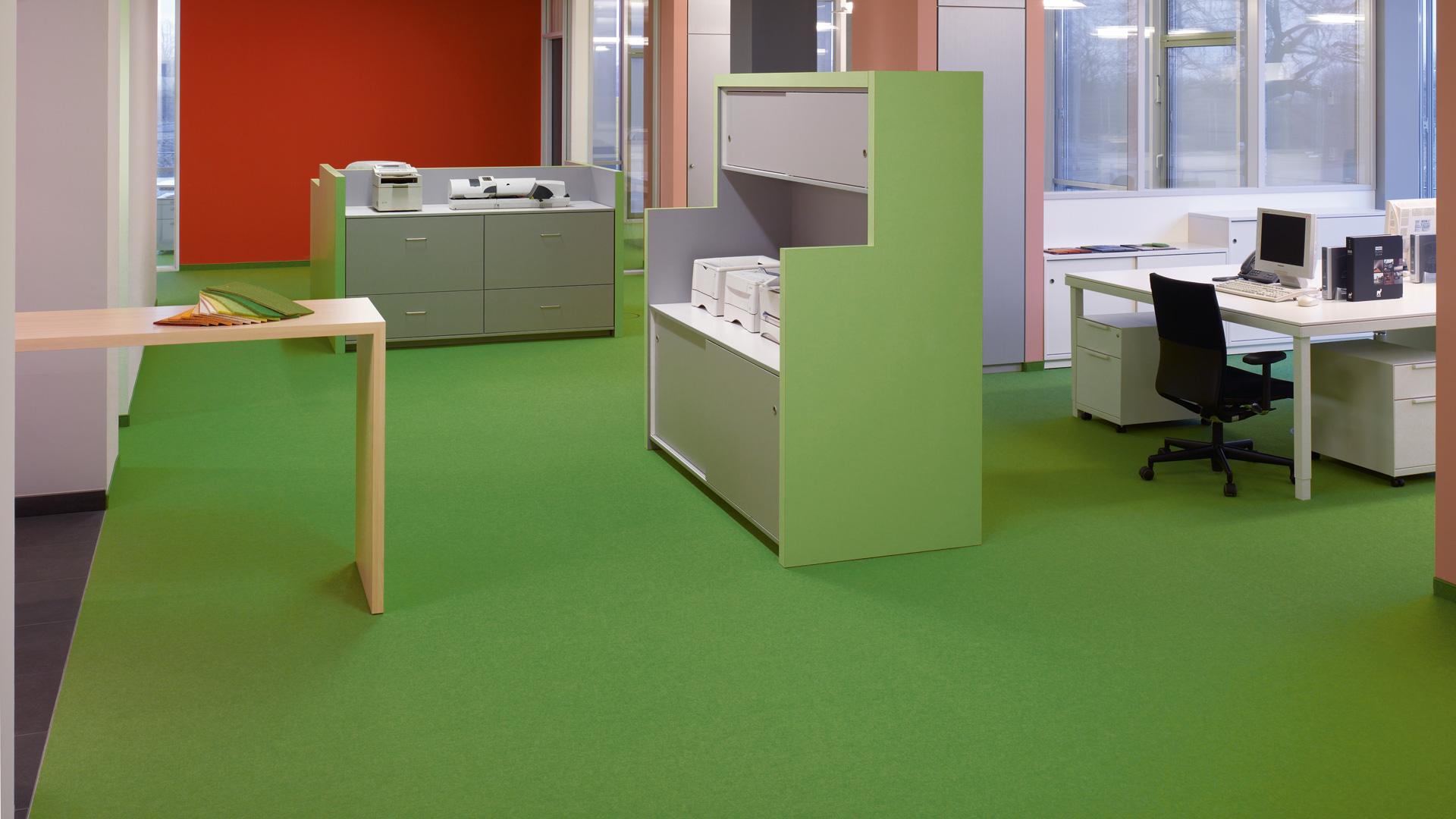 Tretford vorgegebene Größen   Teppichboden in vorgegebenen Größen ...